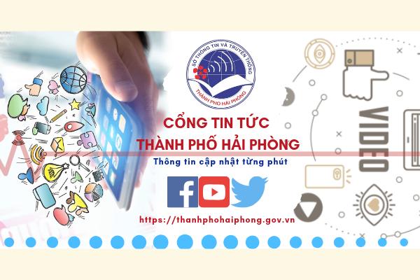 Khách tham quan Bảo tàng Lịch sử Quân sự Việt Nam